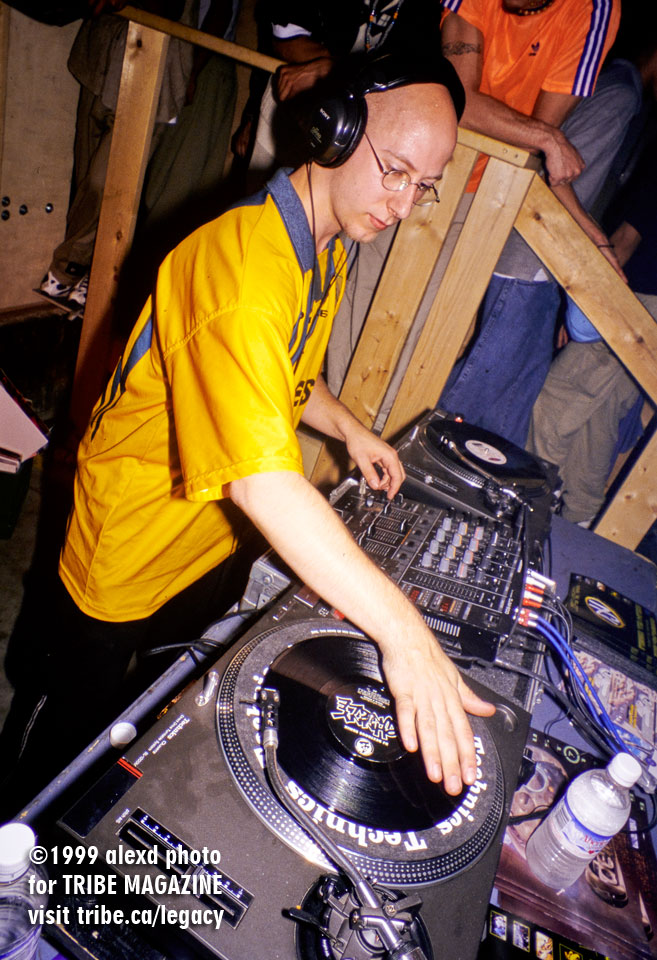 Ken Finch DJs at Citrus-Goodvibes 1999 in Toronto