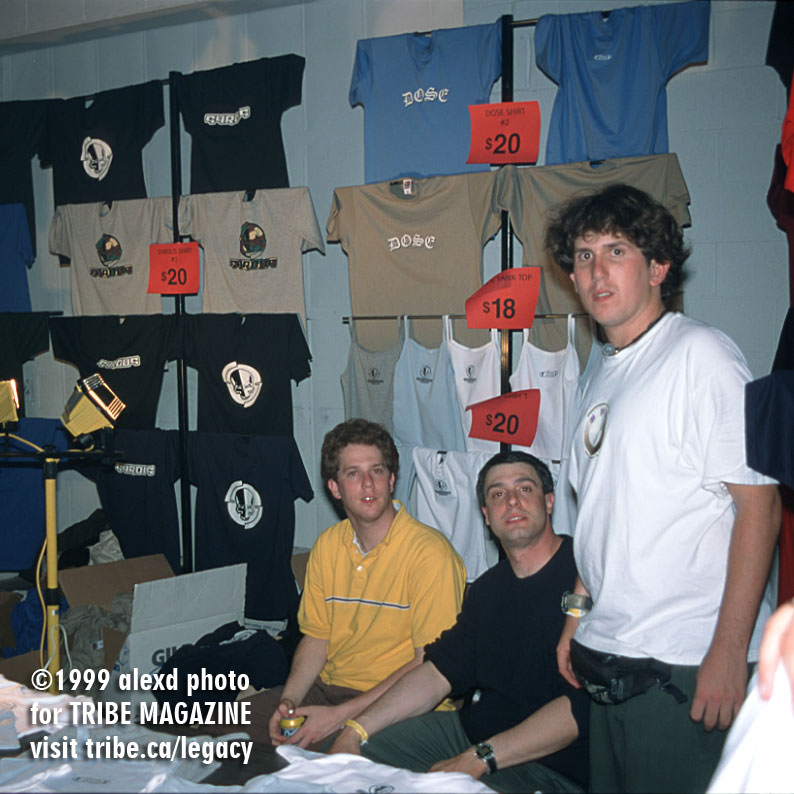 T-Shirt Stand DOSE Rave Toronto 1999