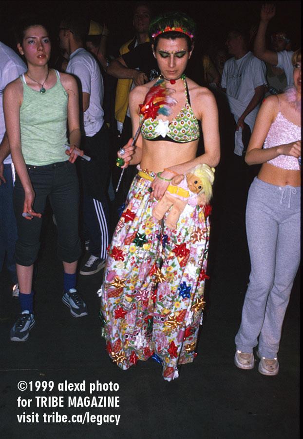 dancefloor kamikazi rave toronto 1999